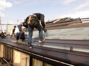 屋根カバー工法と外壁塗装の施工の様子5