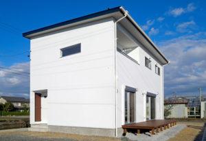 白を基調としたシンプルモダンの家
